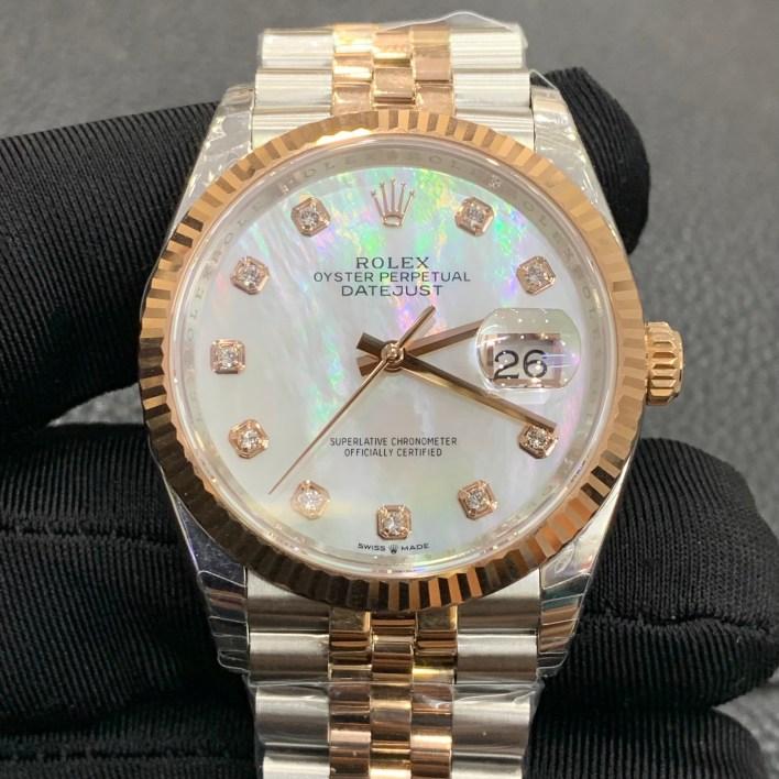 Đồng hồ bọc vàng Rolex