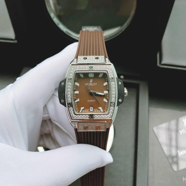 Đồng hồ nữ mặt chữ nhật Hublot