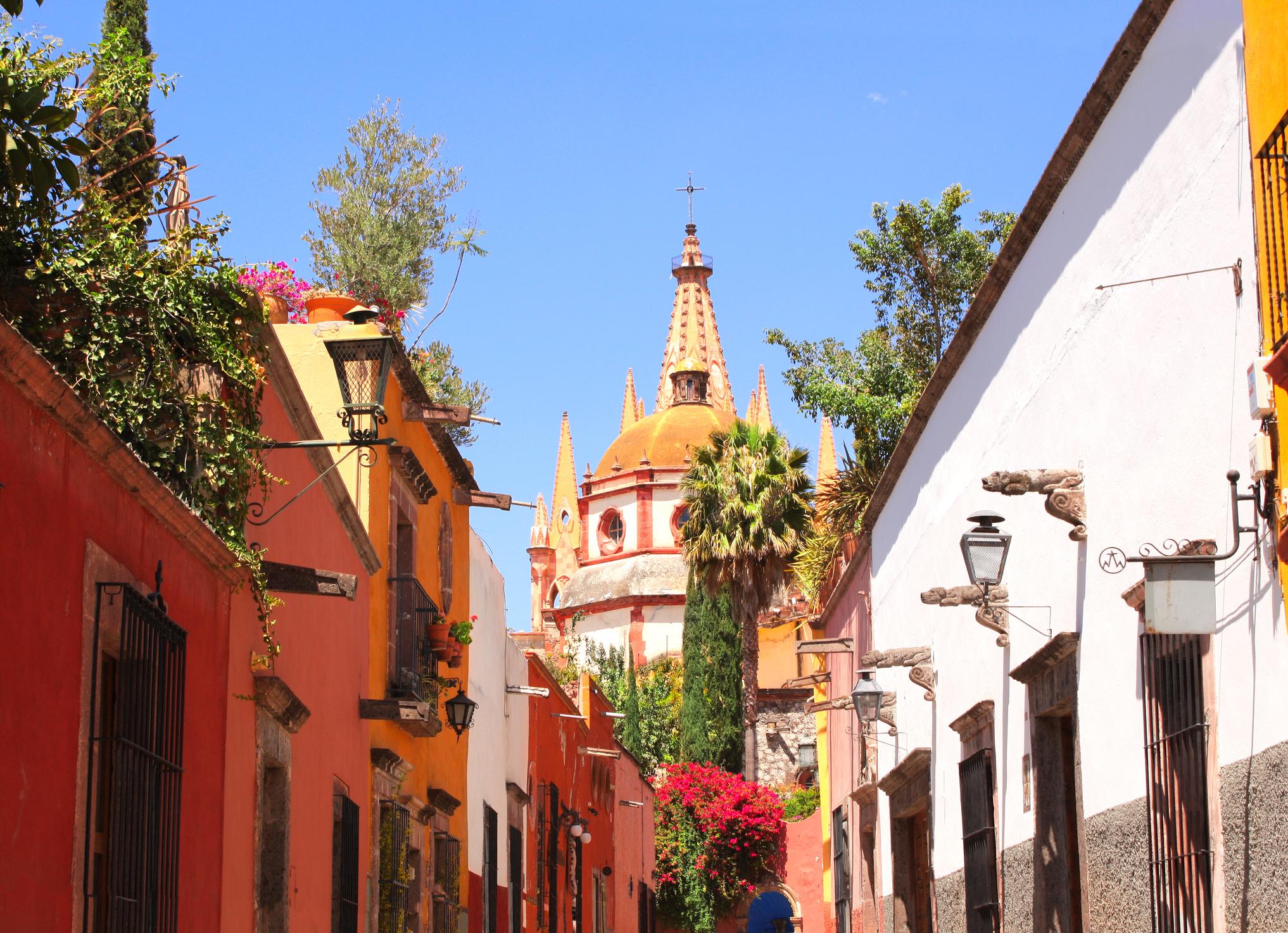 Honeymoon in the Charming ColonialEra San Miguel de Allende