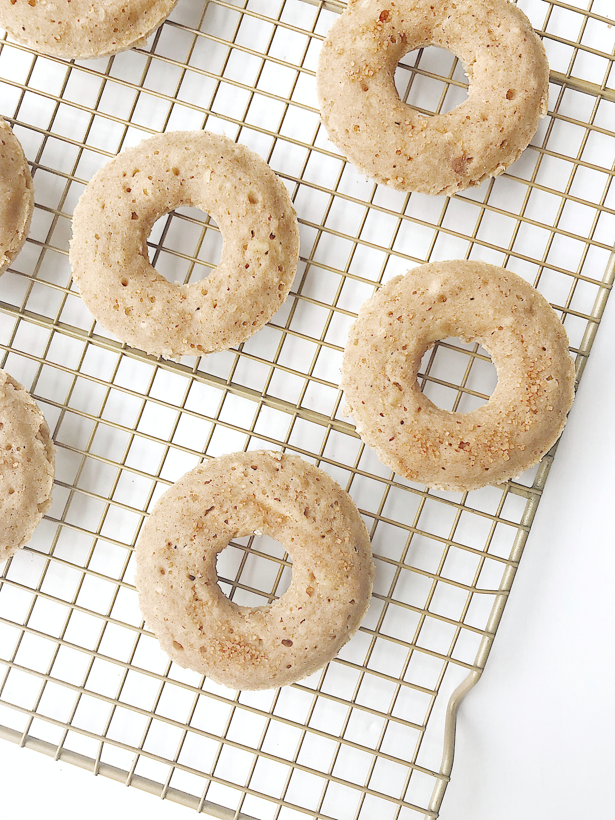 DONUTS ARE MY LOVE LANGUAGE: APPLE CINNAMON BAKED DONUTS