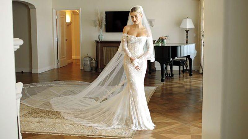 Watch Inside Hailey Bieber S Final Wedding Dress Fitting Vogue Video Cne Vogue Com