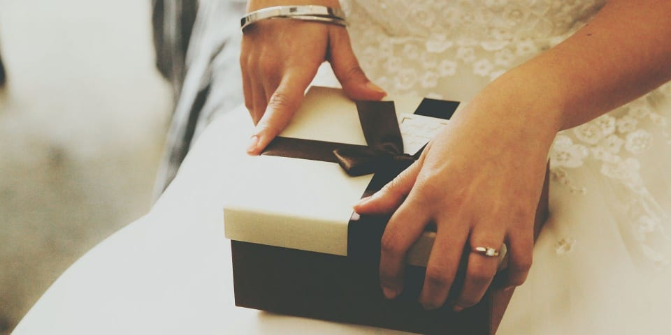 Last-minute Wedding Gift Ideas: Best Options For Every