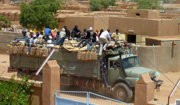algerie la societe civile gabonaise denonce lexpulsion musclee des migrants subsahariens - Algérie : la société civile gabonaise dénonce l'expulsion musclée des migrants subsahariens