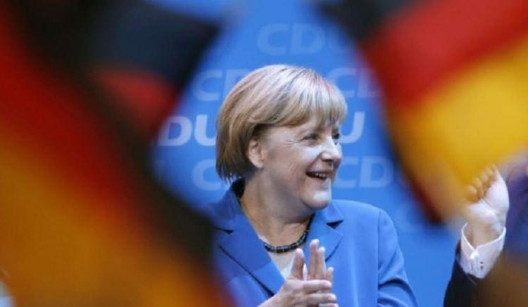 "Angela Merkel: ""Je suis heureuse de la victoire éclatante de Macron"""