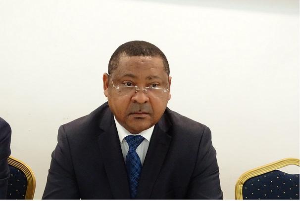 Gabon : Jean Marie Ogandaga prend langue avec les syndicalistes