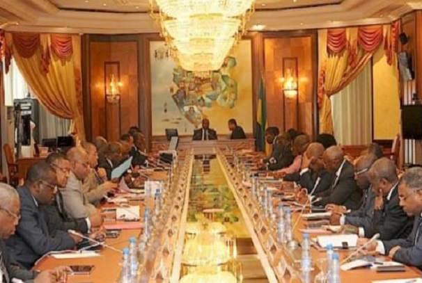 gabon le gouvernement fixe le cap - Gabon : Le gouvernement fixe le cap
