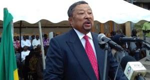 Jean Ping '' Nous devons faire échouer cette révision constitutionnelle (…). Nous devons la faire échouer parce qu'elle porte en elle les germes de la liquidation de la République et (…) l'instauration d'un royaume au Gabon »