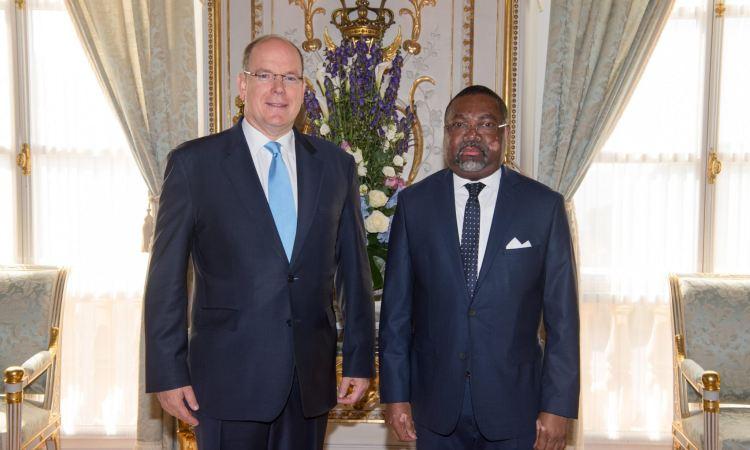 4 LAmbassadeur du Gabon et le Prince Albert II de Monaco 1 - SEM Flavien Enongoué, Présentation des Lettres de créance á S.A.S. le Prince souverain Albert II de Monaco