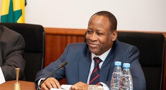 1039125416 - Ambassadeur: Le Sénégal et sept autres pays de l'Afrique de l'Ouest pourraient remplacer le franc CFA par une nouvelle monnaie
