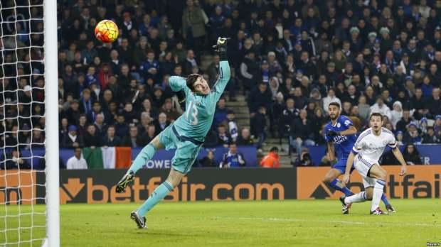 Sport/Football : Mahrez et City gardent le rythme en Premier League