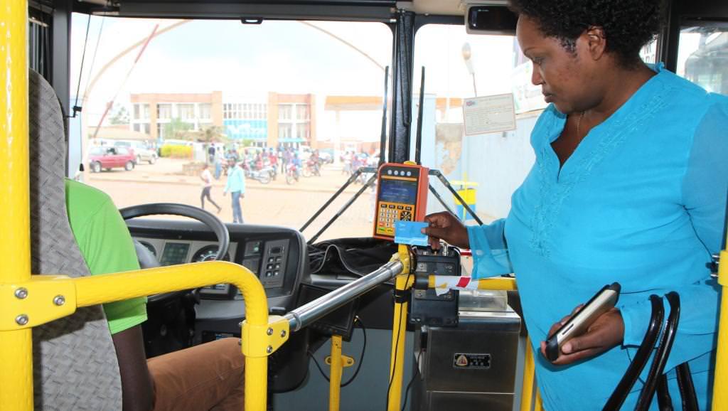 rwanda 1 bus wifi - Rwanda : le Wifi disponible dans tous les bus d'ici 2019