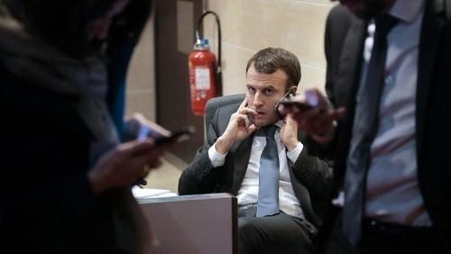Depuis Paris, Emmanuel Macron suit de très près la situation sociale en Algérie
