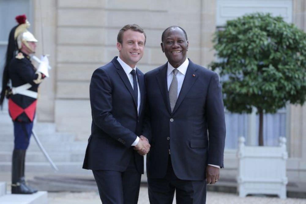 Reçu par Macron, Ouattara défend le franc CFA, «une monnaie solide»