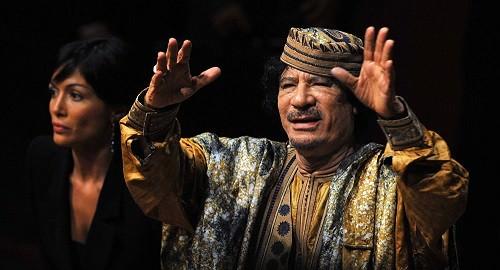 Ombre de Mouammar Kadhafi: 5 scandales posthumes ayant frappé des pays occidentaux