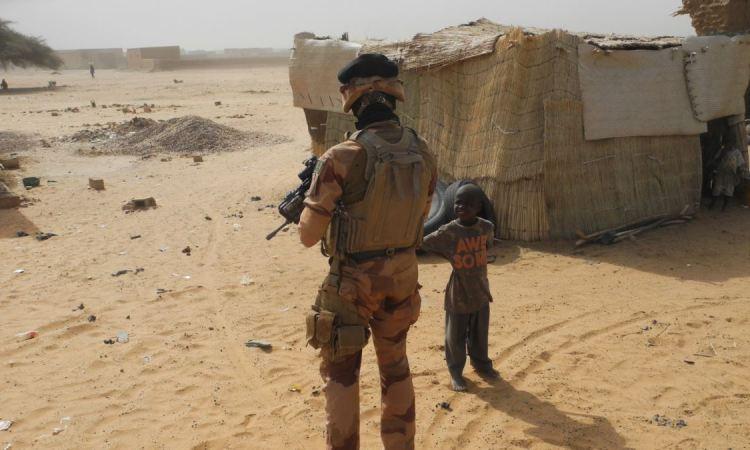 "Mali: 15 jihadistes présumés ""neutralisés"" près de la frontière burkinabè"
