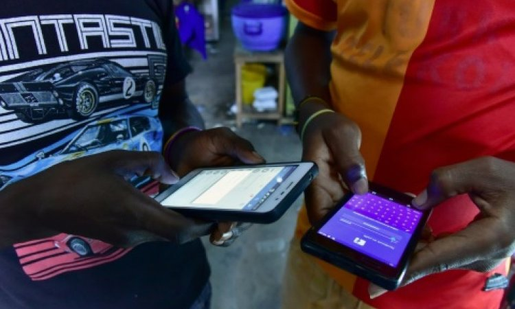 Côte d'Ivoire: près de 100 escrocs sur internet arrêtés en 2018