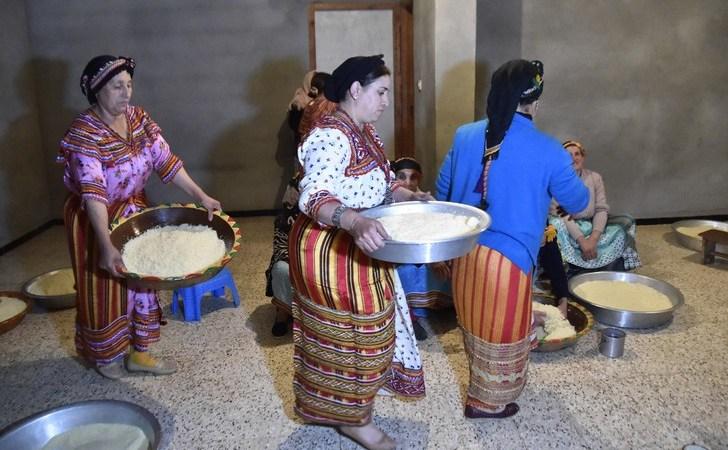Preparation couscous Algerie 0 728 480 - Des pays du Maghreb unis derrière la candidature du couscous au patrimoine de l'Unesco