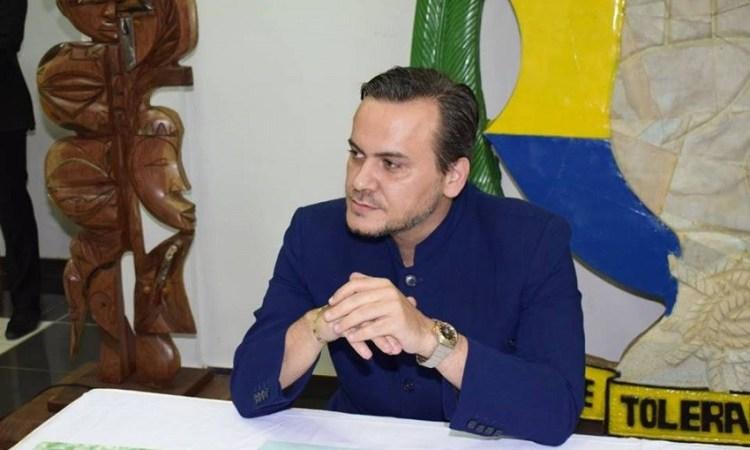 Gabon : Brice Laccruche Alihanga dérange