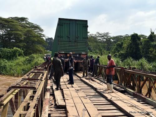 Le trafic entre l'Ouganda et la RDC interrompu à cause des travaux sur le pont Semuliki