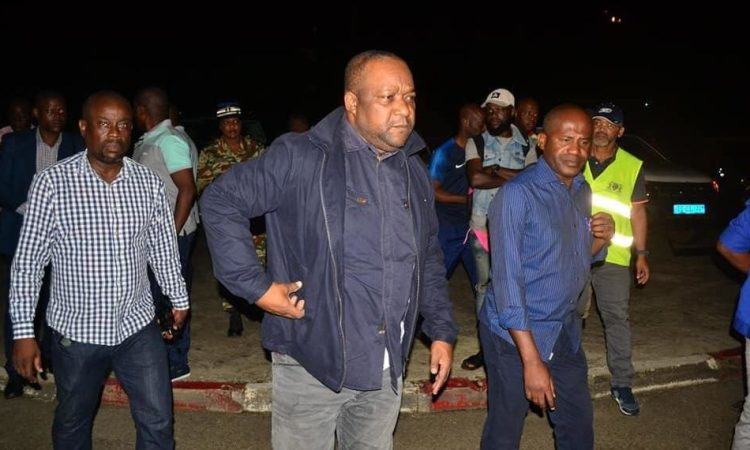 Libérez les trottoirs: Le Maire de Libreville Léandre Nzue sur le terrain