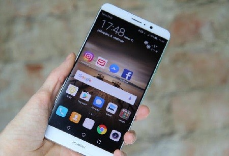 Huawei n'a plus le droit de préinstaller Facebook, WhatsApp et Instagram sur ses smartphones