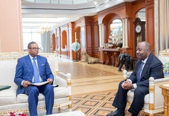 Le Président Ali Bongo Ondimba reçoit le ministre d'Etat, ministre de l'Intérieur, de la Justice, Garde des Sceaux