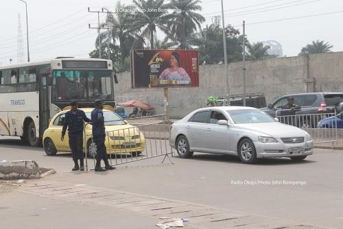 RDC: bouclage ciblé de la police à Kinshasa pour dénicher « des criminels activement recherchés »
