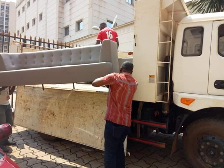 Vice-présidence de la République: Maganga Moussavou vide les lieux de ses meubles