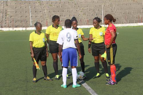 Foot-RDC : la FIFA organise un test physique et une formation de mise à niveau des arbitres