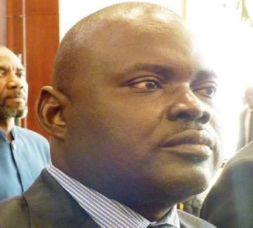 Gabon : Yves Laurent Goma suspendu