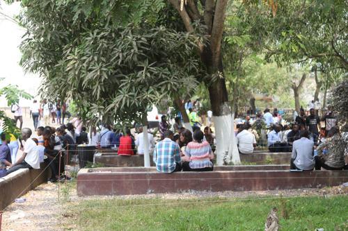 Grève à l'UNIKIN : la police étouffe une marche des étudiants