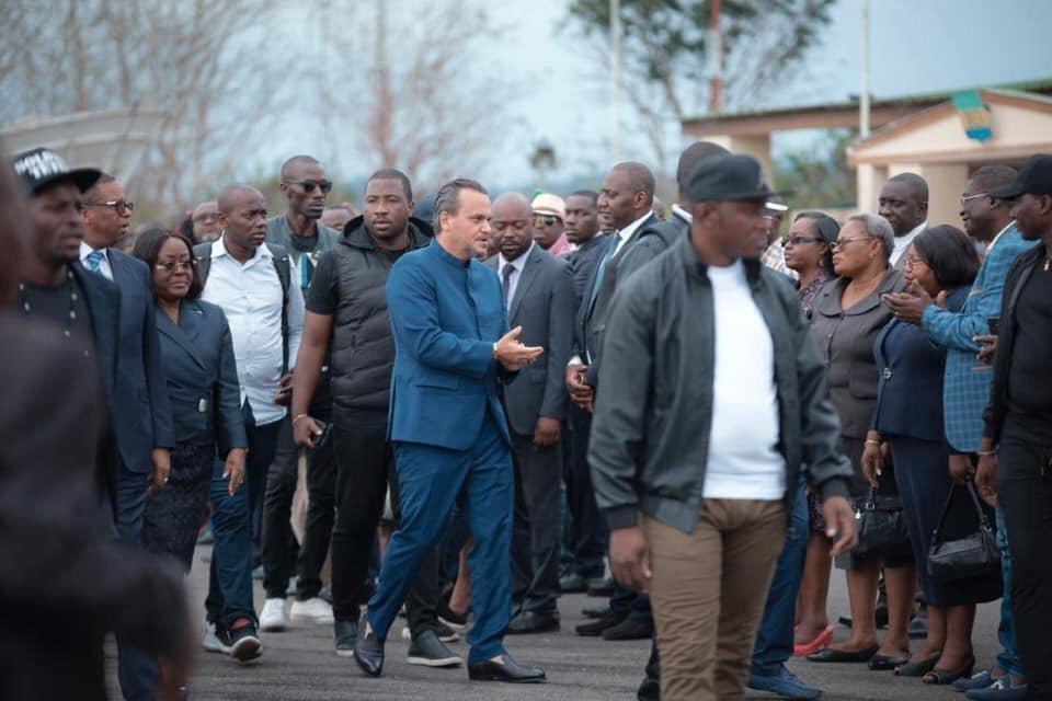 GABON : LE DCP BRICE LACCRUCHE ALIHANGA ACCUEILLI AVEC FERVEUR DANS LA NYANGA