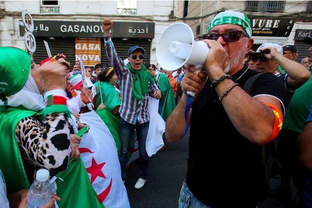 Algérie: les autorités «serrent la vis» contre la contestation, dénonce HRW