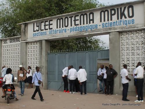 Gratuité de l'enseignement de base en RDC : les écoles publiques très sollicitées par les parents