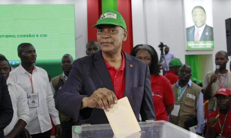 Angola: l'Unita a élu un nouveau leader