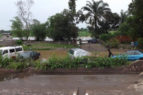 Inondations à Boma : les populations riveraines du fleuve Congo appelées à quitter leurs habitations