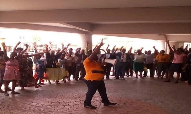 Gabon : A quoi servira la grève d'avertissement lancée par les syndicats ?