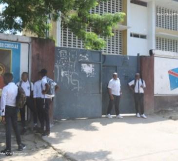 Kinshasa : quelques écoles publiques perçoivent les frais de motivation, malgré la gratuité de l'enseignement