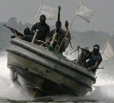 Nigeria: des soldats mettent le feu à des habitations en réprésailles à une attaque de pirates