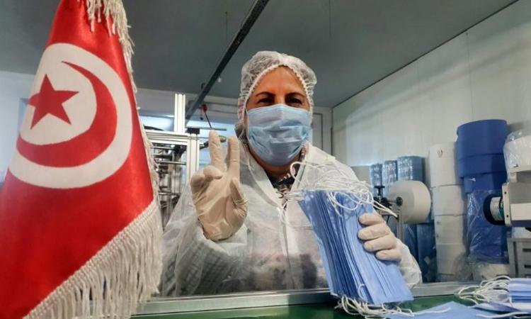 14d8c50ebb629dc3b405c270b6365feb871a95ae - Coronavirus: en Tunisie, des ouvrières se confinent à l'usine pour fabriquer des masques