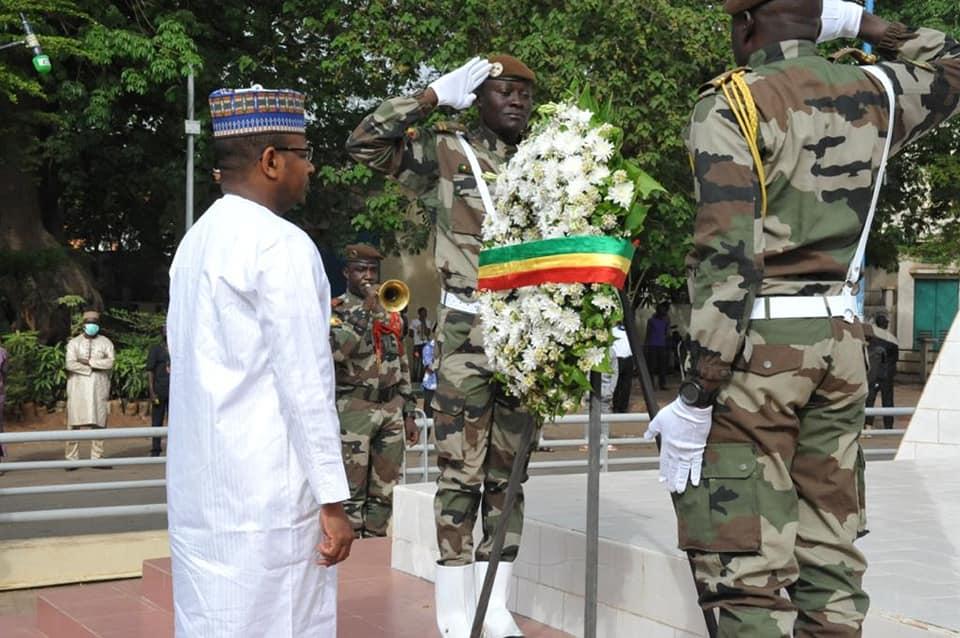 Le PM dépose une gerbe de fleurs au monument des Martyrs à l'occasion de la commémoration du 26 mars
