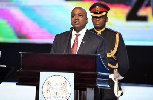 Coronavirus: le président du Botswana à nouveau en quarantaine, cette fois avec tous les députés