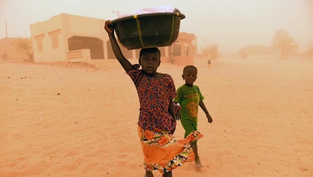 La ville de Goundam ballottée par un vent de sable rouge