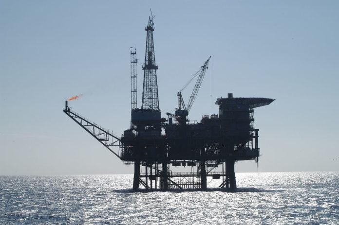 Avec la tres forte hausse des cours du petrole les - Avec la très forte hausse des cours du pétrole, les pays producteurs retrouvent d'importantes marges de manœuvre budgétaires