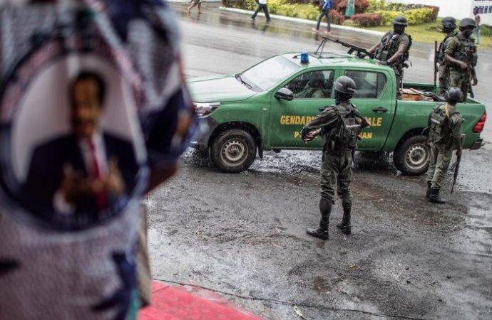Cameroun: HRW accuse l'armée de 20 viols et un meurtre en zone anglophone en mars