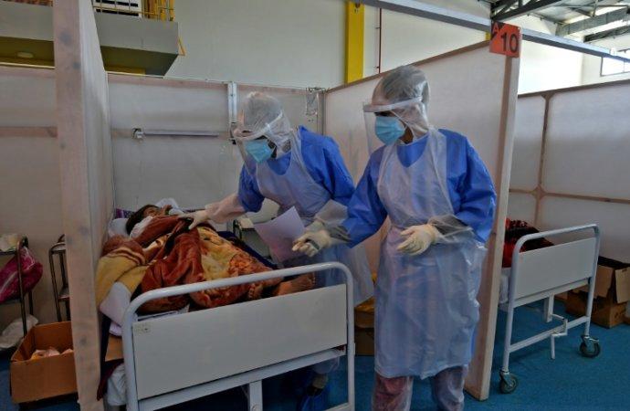 En Tunisie, les hôpitaux se remplissent et le vaccin tarde