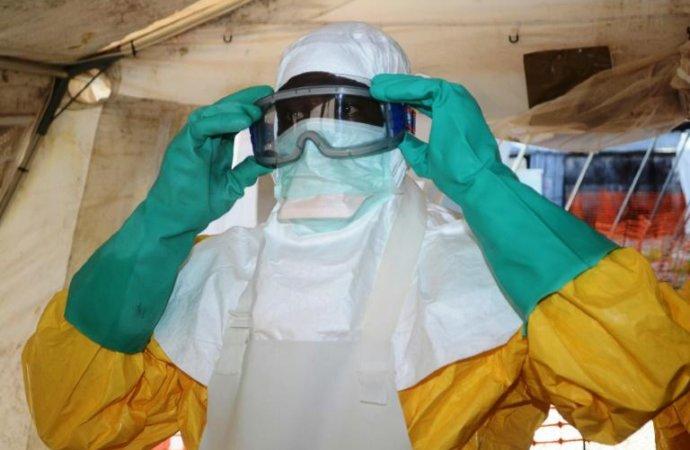 Les vaccins anti-Ebola arrivent en Guinée, début de vaccination prévu mardi