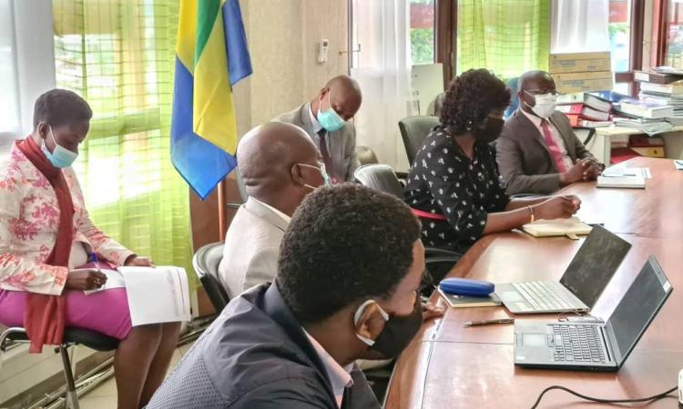 Ministere des Eaux et Forets Reunion technique deversements dhydrocarbures 2 - Pollution par Perenco : Le gouvernement ne lâche pas prise !