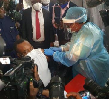 RDC : Eteni  Longondo appelle les Congolais à se faire vacciner pour leur santé et  celle de leurs familles