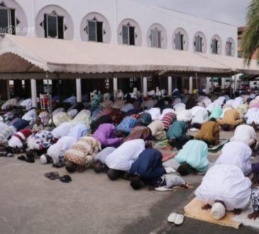 Ramadan respect partiel des mesures contre la Covid 19 dans des - Ramadan: respect partiel des mesures contre la Covid-19 dans des mosquées à Abidjan